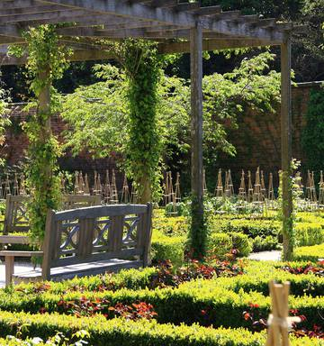 Welcome To The Alnwick Poison Garden Where Everything Wants To