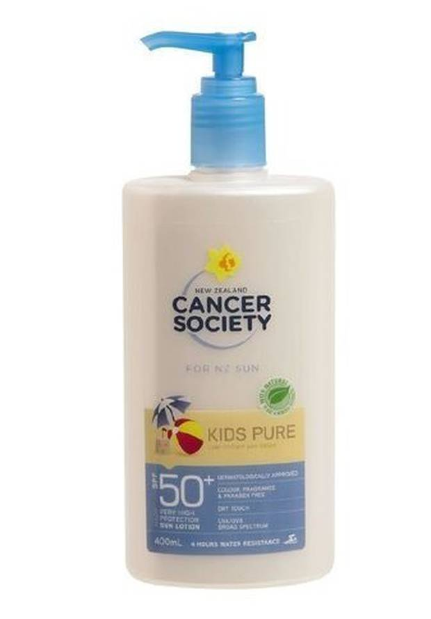 The Cancer Society says it is in a dispute with Consumer NZ over testing of SPF 50+ Kids Pure sunscreen.