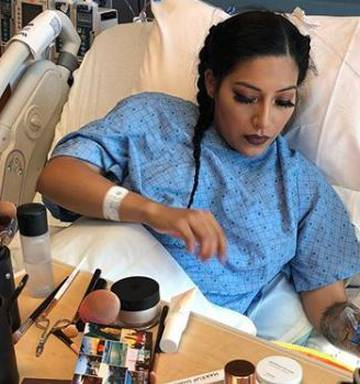 US Beauty Blogger Alexis Jayda Filmed A Makeup Tutorial As She Was Waiting To Give Birth