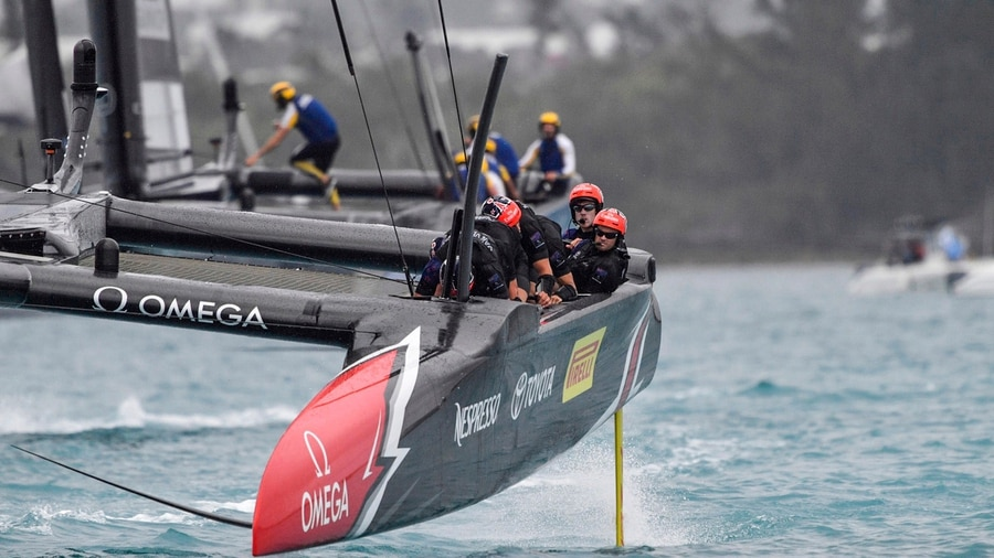 America's Cup: Team New Zealand dominate U.S. in Bermuda