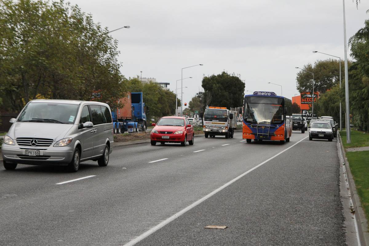 Traffic queues for 9km near Christchurch after serious accident