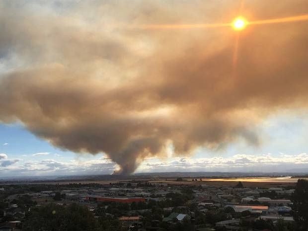 A fire raging in Pigeon Valley near Nelson has spread overnight to cover 1870 hectares. Photo / Nelson Weekly
