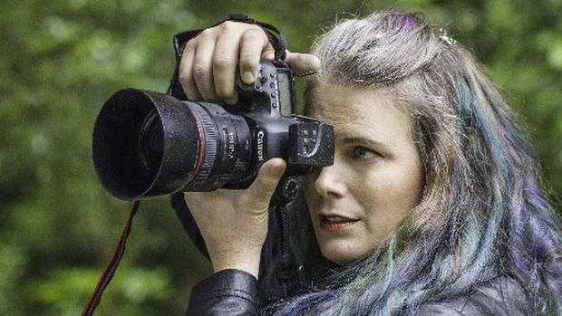Upper Hutt photographer Mandi Lynn wants women to show greater compassion for their bodies.