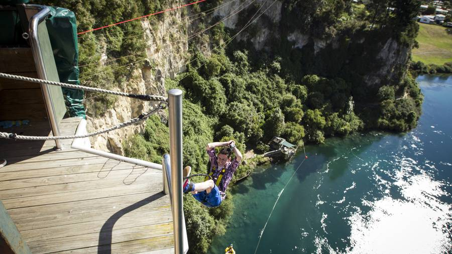 Plan to get builders jumping to NZ