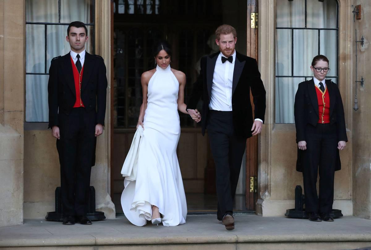 Daniela Elser: Palace preparing for Meghan and Prince Harry biography