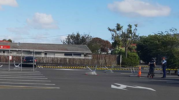 Part of the New World carpark in Whanganui remained cordoned off after multiple people were stabbed. Photo / Zaryd Wilson