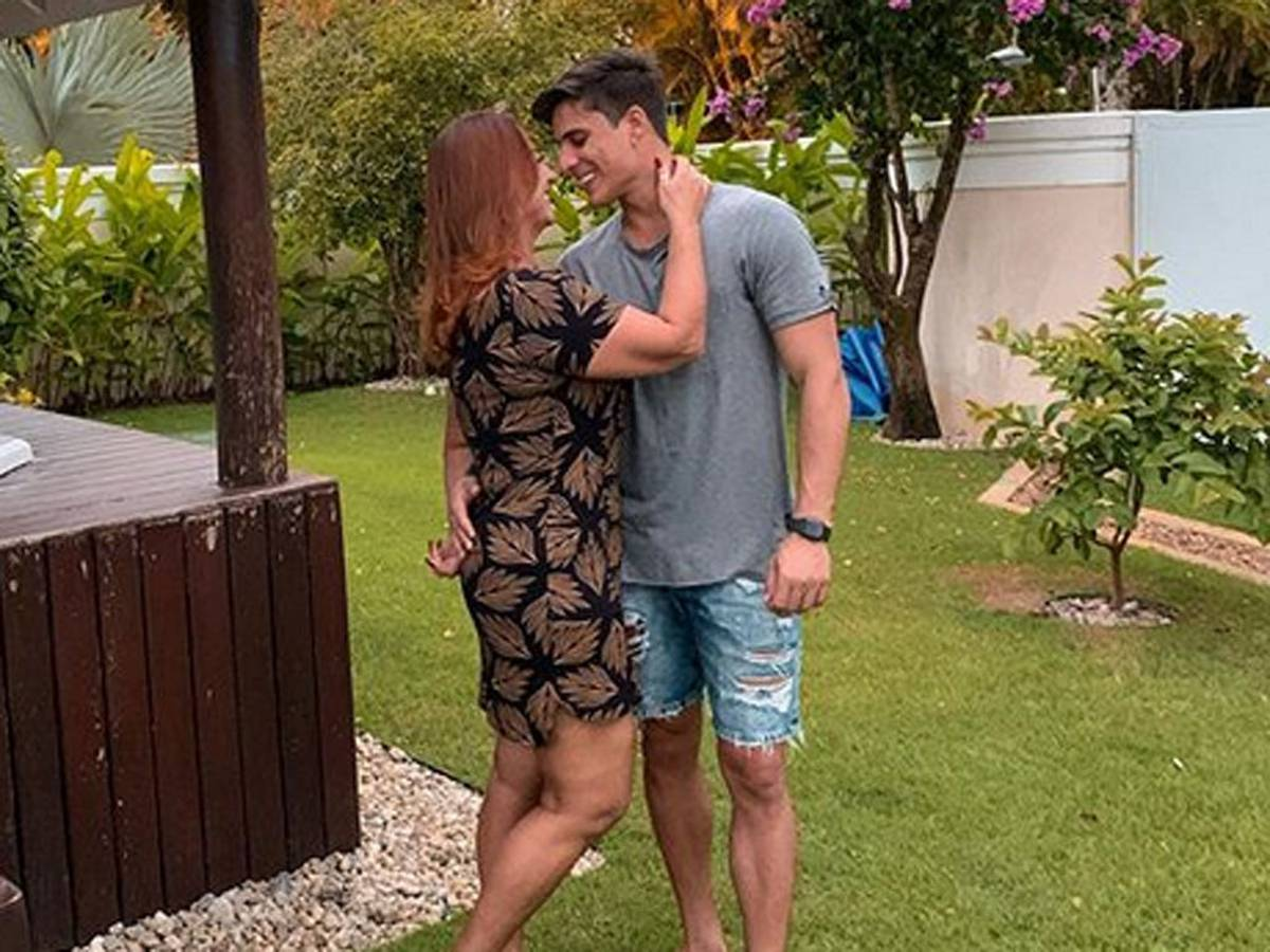 Neymar: sa mère de 52 ans révèle son petit ami âgé de 22 ans...Ney réagit!