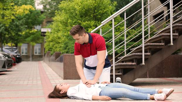Why women are less likely to receive CPR
