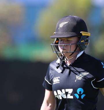 Cricket: Australia claim Rose Bowl series with 95-run win