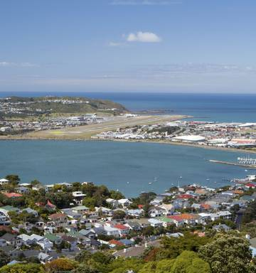 Reports of 'explosion' in Wellington suburb of Strathmore