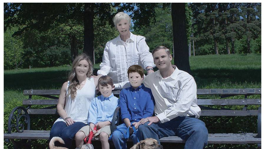 Family shares results of hilarious photo shoot