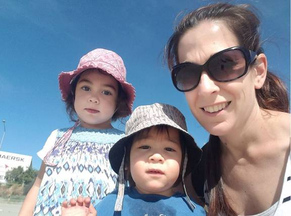 Young Mum With Stage 4 Bowel Cancer Moves Butt To Raise Money Awareness Nz Herald