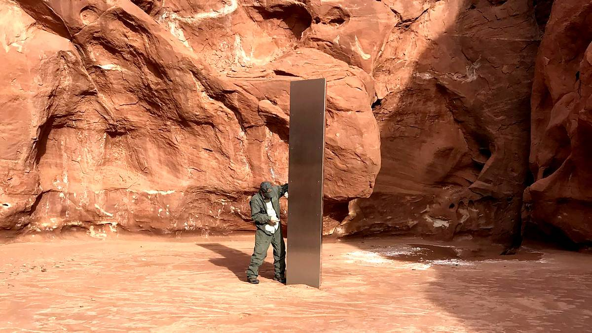 Mystery monolith found in Utah desert sparks theories – NZ Herald