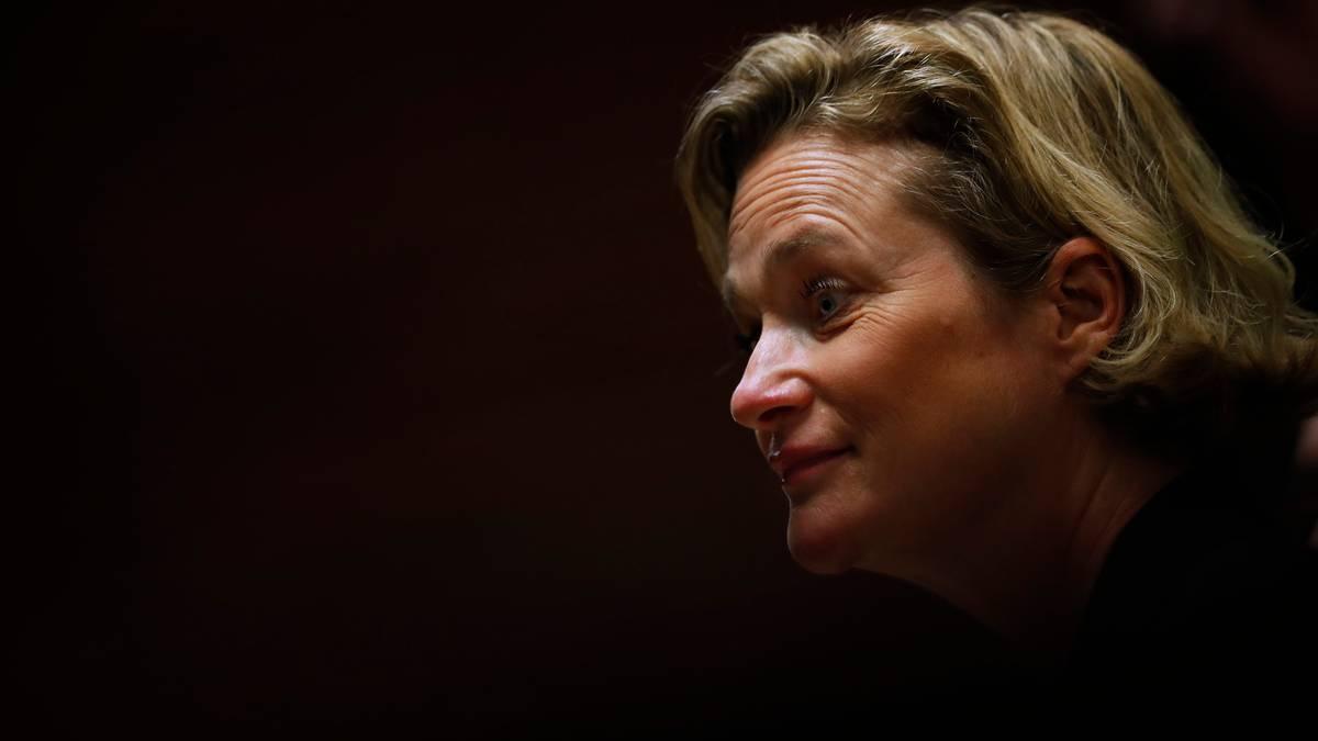Belgium's ex-King Albert finally receives daughter Delphine - NZ Herald