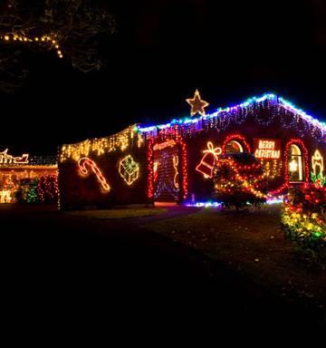 Christmas Lights On Houses.Northland Christmas Lights Trail Nz Herald