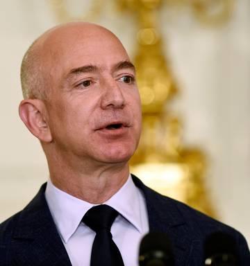 Jeff Bezos Reportedly Having Secret Relationship Nz Herald