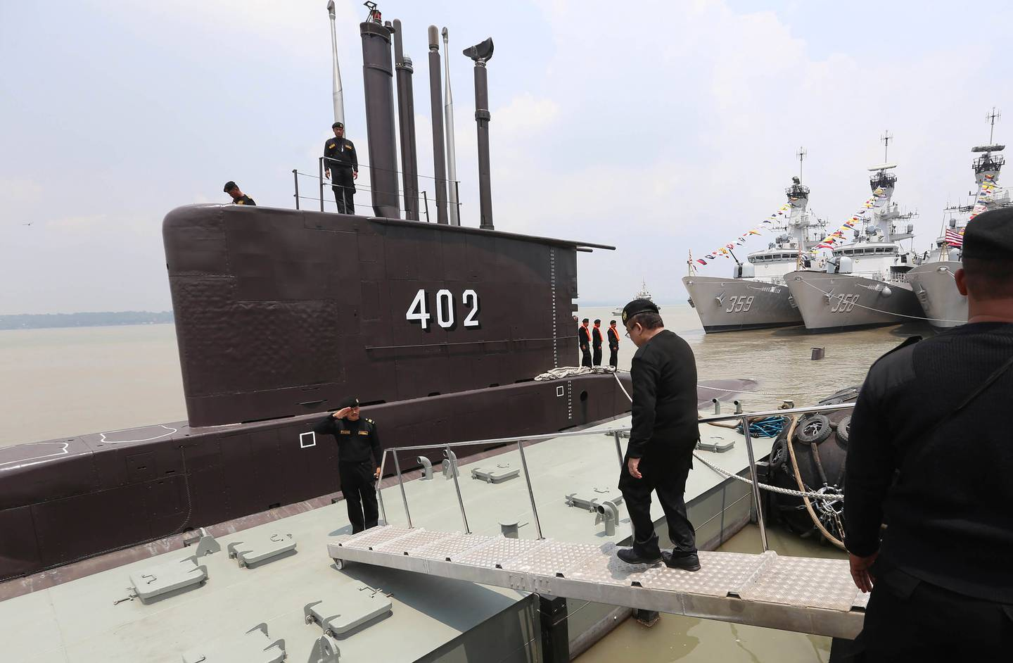The crew of the Indonesian Navy submarine KRI Nanggala salute an officer in Surabaya, East Java, Indonesia, in 2014. Photo / AP
