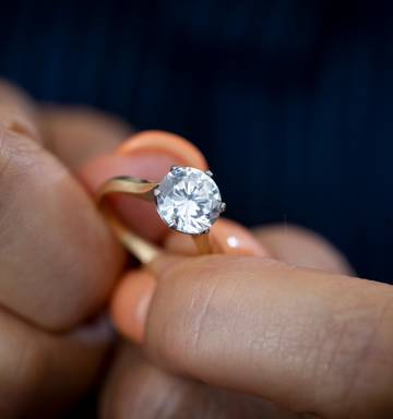5d4537163e ... A woman going through a divorce discovered the diamond in her $189,000 engagement  ring was replaced