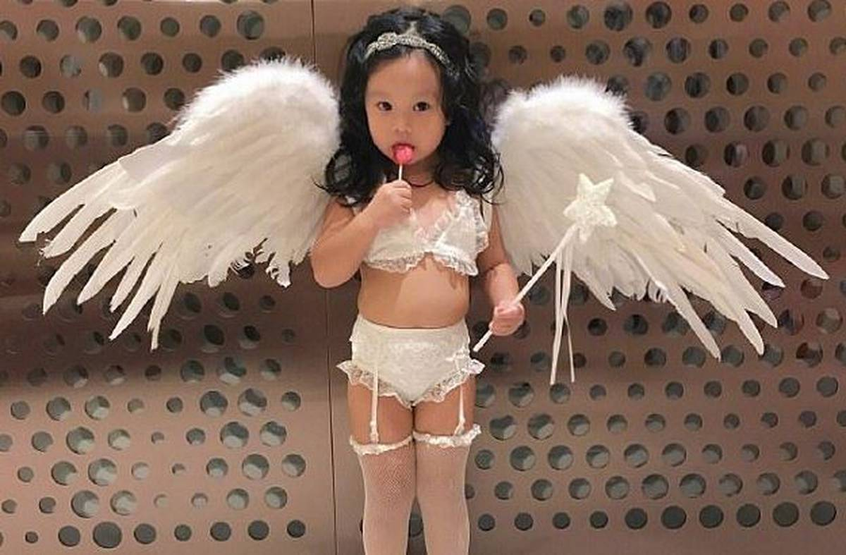 10f450d0cd Outrage at mum who dressed toddler as Victoria s Secret model - NZ Herald