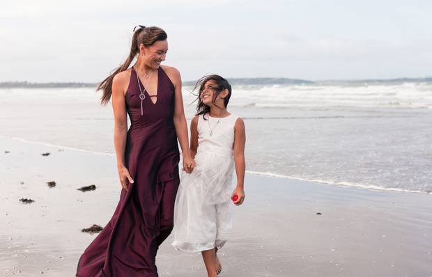 Vicky Freeman and daughter Ruby-Jean during their photo shoot on Long Bay Beach, Auckland, last year. Photo / Getty Images