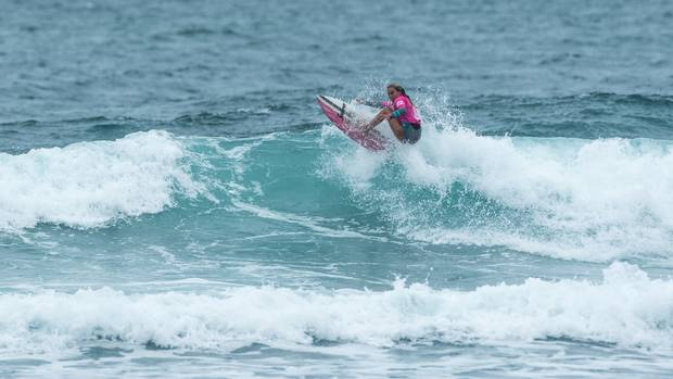 Mount Maunganui's Anna Brock in action in Piha. Photo / PhotoCPL