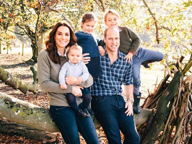 A body language expert said Kate Middleton and Prince William's Christmas card was very inviting. Photo / Kensington Palace Twitter