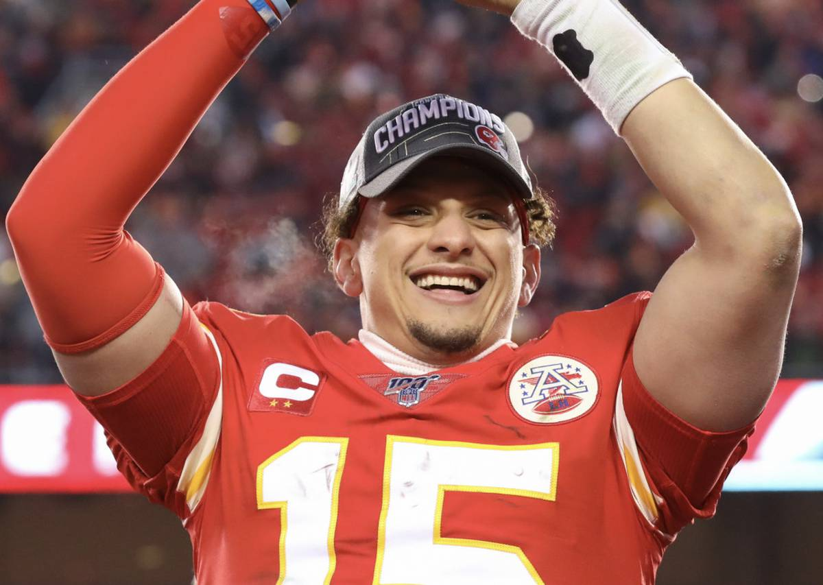NFL: Patrick Mahomes signs richest deal in sports history