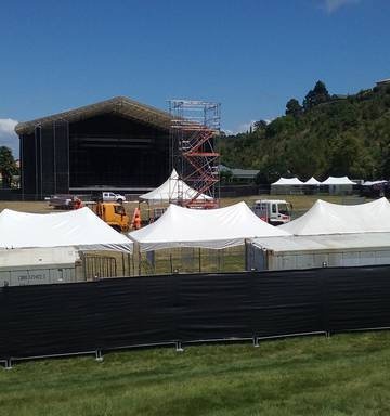 Toto and Napier crowd set for sound and heat of Africa - NZ Herald