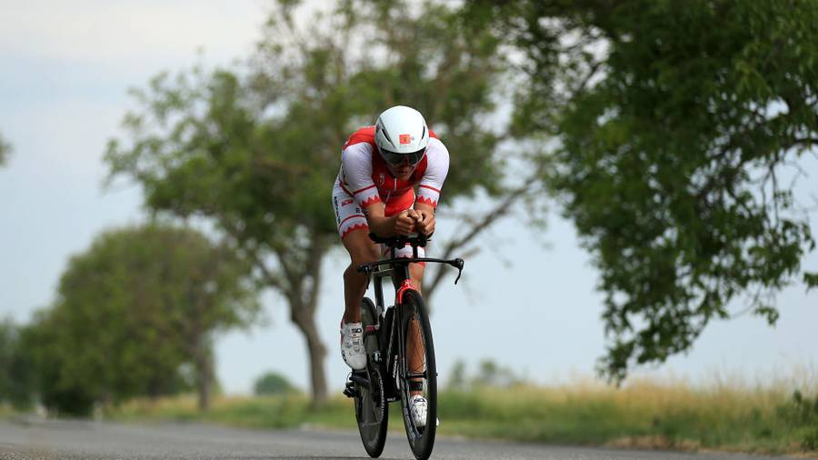 Wurf smashes Ironman bike course record in Kona, finishes 17th