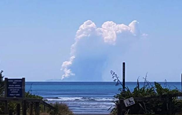 Tourists injured as volcano erupts off New Zealand coastline