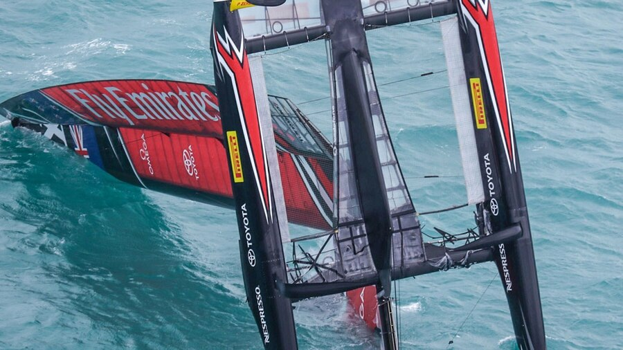 Kiwis end British hopes, reach America's Cup challenger final