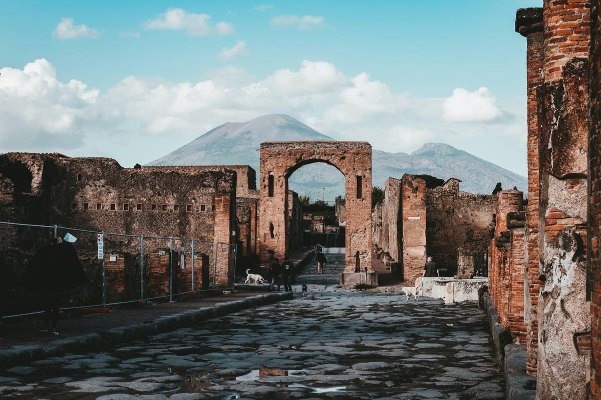 How to experience Pompeii, Italy, right now