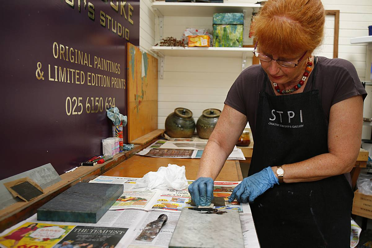 Print workshops on offer for weekend visitors in Whanganui for breast cancer charity