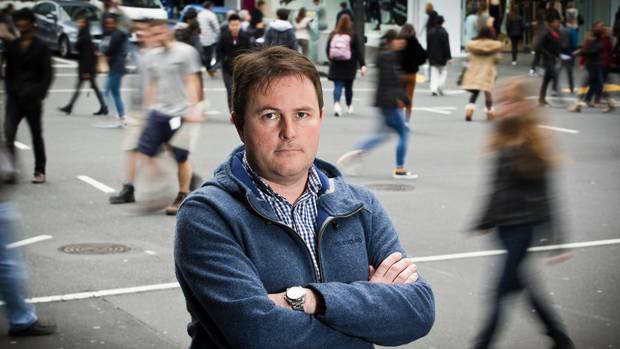 Professor Shaun Hendy says we need to rethink plans to move Auckland down to alert level 2 on Monday. Photo / Greg Bowker