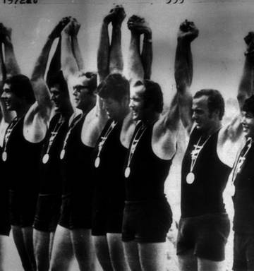 20 NZ Olympic Moments: No  8, National anthem moved crowd to