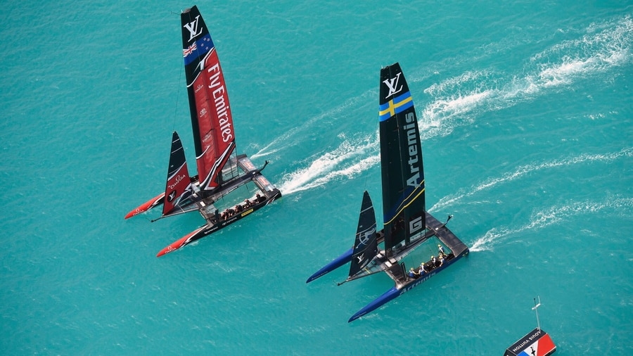 Team NZ sails into lead - Outteridge goes swimming