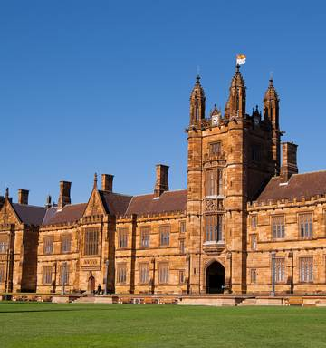 Tourists Are Flocking To The University Of Sydney Because They Think Harry Potter Movies Were