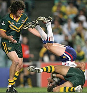 League: Long's dazzler enough to knock knockers - NZ Herald