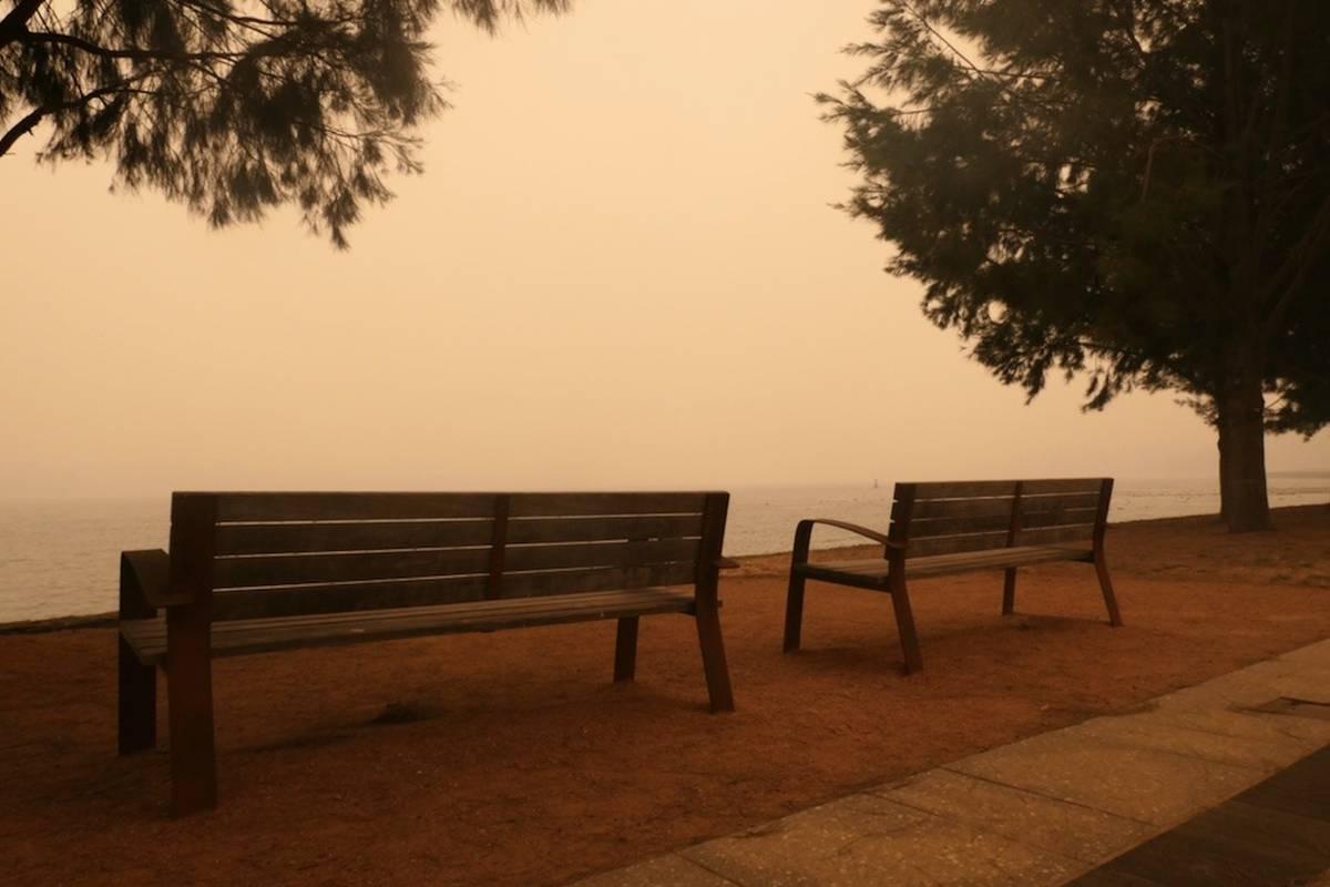 'Stay indoors': Australian capital locked down as bushfires rage