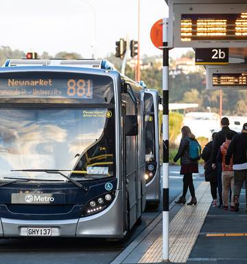 Auckland Council approves free kids' public transport at