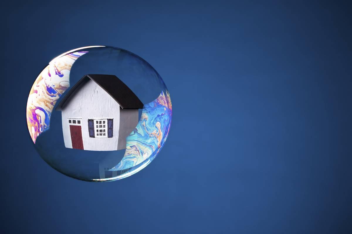 Housing bubble pop