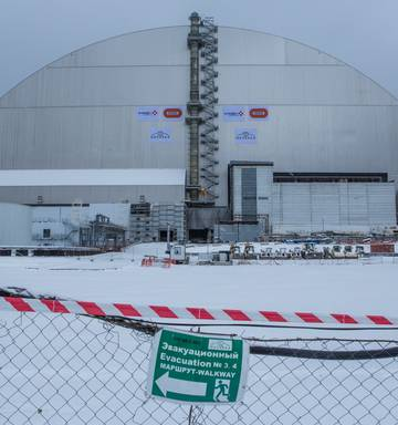 Massive dome to cover Chernobyl reactor - NZ Herald