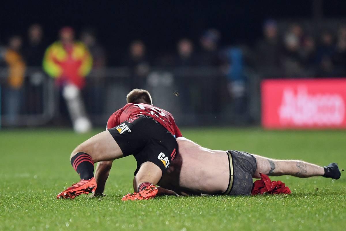 Super Rugby Aotearoa: Streaker tackled by Crusaders' Braydon Ennor
