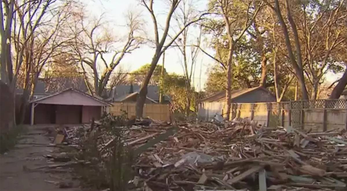 Texas demolition company tears down 97yo home in Dallas by mistake