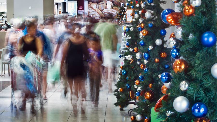 Shoppers fearless the madness to snag last-minute Christmas gifts