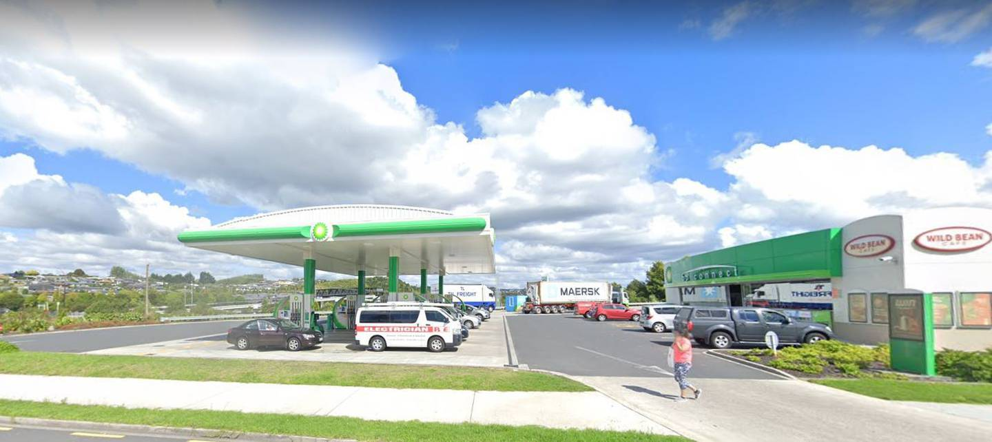 The BP Tauriko, in Tauranga, has been linked to a Covid positive person who was there on Saturday, September 11. Image / Google