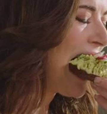 Nigella's avocado on toast sparks outrage - NZ Herald