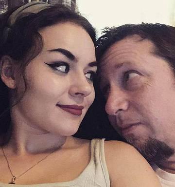 Teen Dumped Boyfriend At 17 For 44 Year Old Man Nz Herald