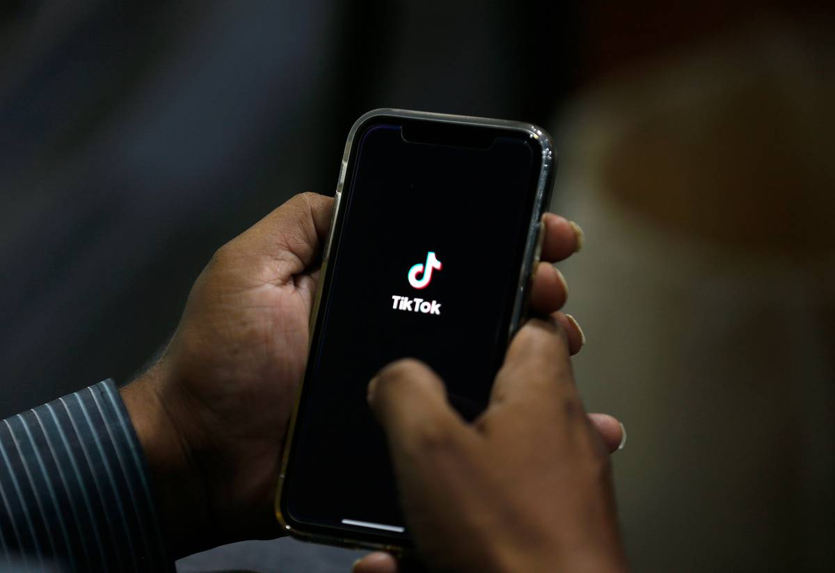 US to widen action against Chinese tech groups beyond TikTok thumbnail
