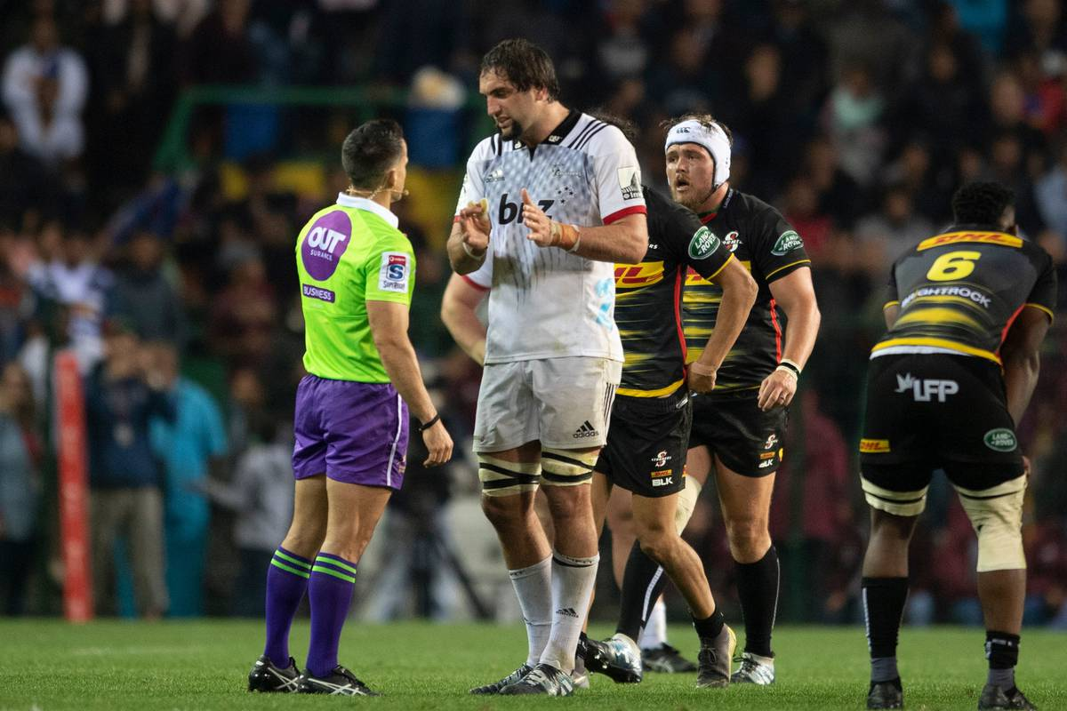 Super Rugby: Questionable calls prove costly in miserable week for New Zealand teams